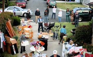yard.sale.2011.opening. (1024x627)