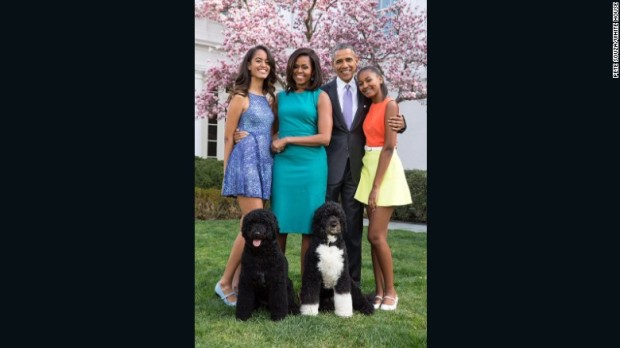 -obama-family-portrait-2015-exlarge-169